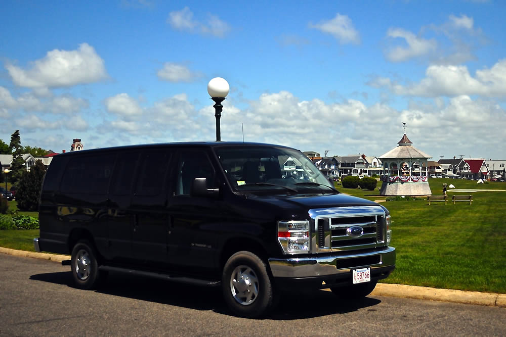 Experience Martha's Vineyard with Martha's Vineyard Tours and Transport